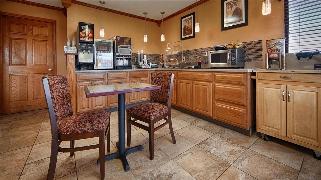Best Western Martinsville Inn - Breakfast Bar