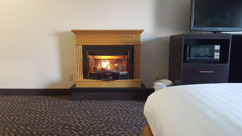 Best Western Indian Oak - King Room with whirlpool and fireplace