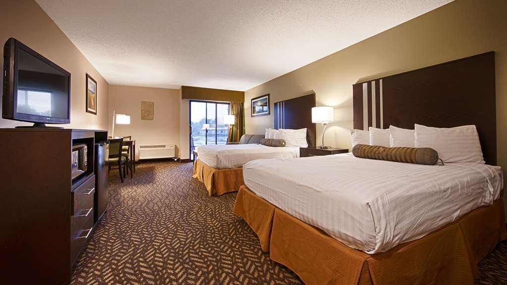 Best Western Indian Oak - Double Queen Beds Lakeview Room