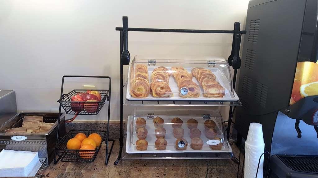 Best Western Indian Oak - Le petit déjeuner buffet