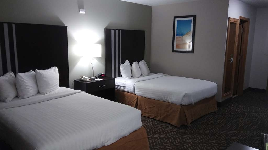 Best Western Indian Oak - ADA Mobility Accessible Double Queen Lake View