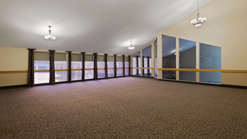 Best Western Indian Oak - Need to schedule a meeting for business? We have space available for you and your clients.