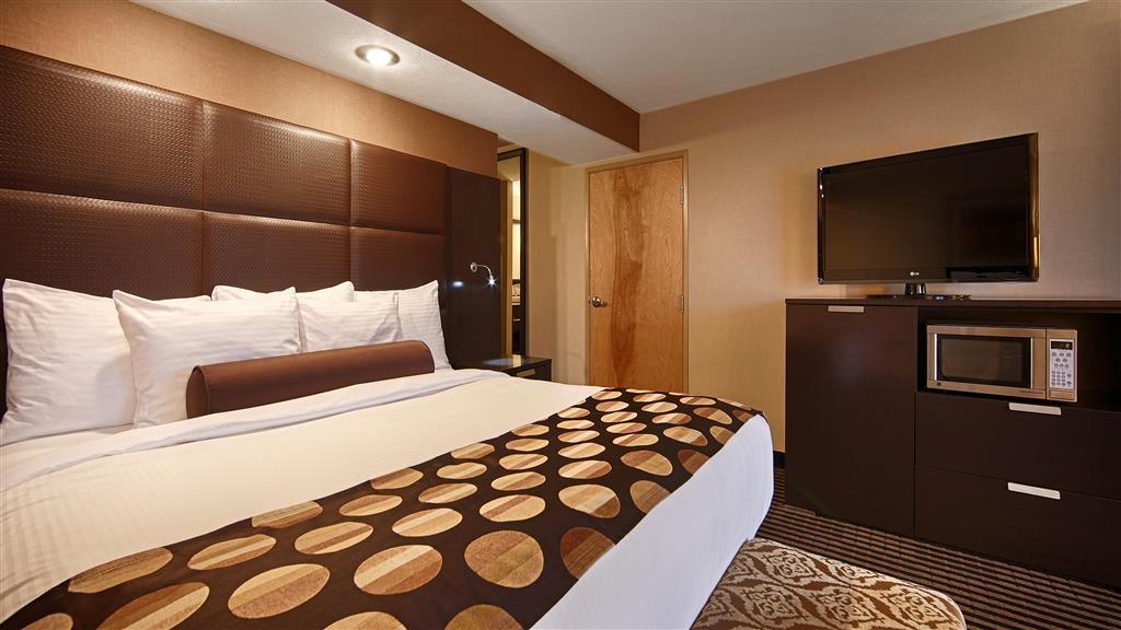 Best Western Plus Atrea Airport Inn & Suites - Chambres / Logements
