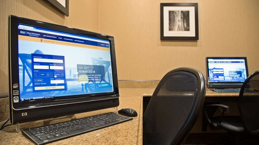 Best Western Plus Atrea Airport Inn & Suites - Stay productive during your time away from home in our business center.