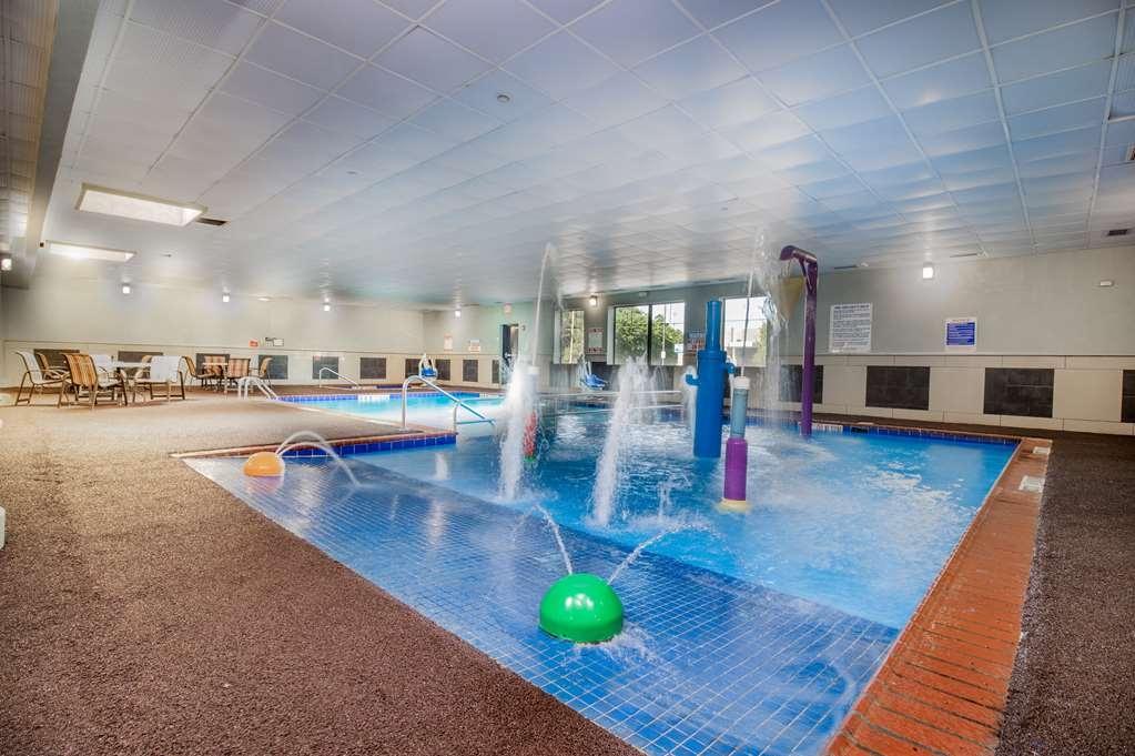 Best Western Plus Portage Hotel & Suites - Vista de la piscina