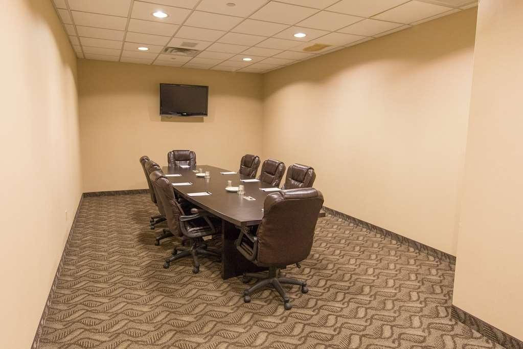 Best Western Plus Portage Hotel & Suites - Boardroom