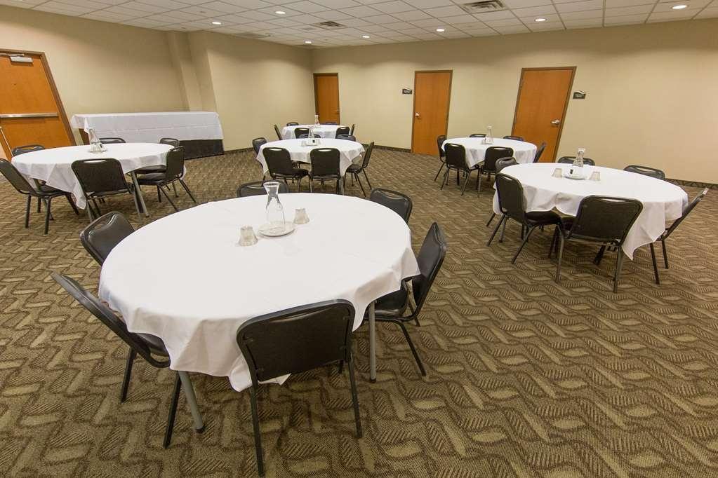 Best Western Plus Portage Hotel & Suites - Sala de reuniones