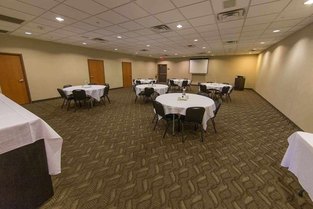 Best Western Plus Portage Hotel & Suites - Salle de réunion
