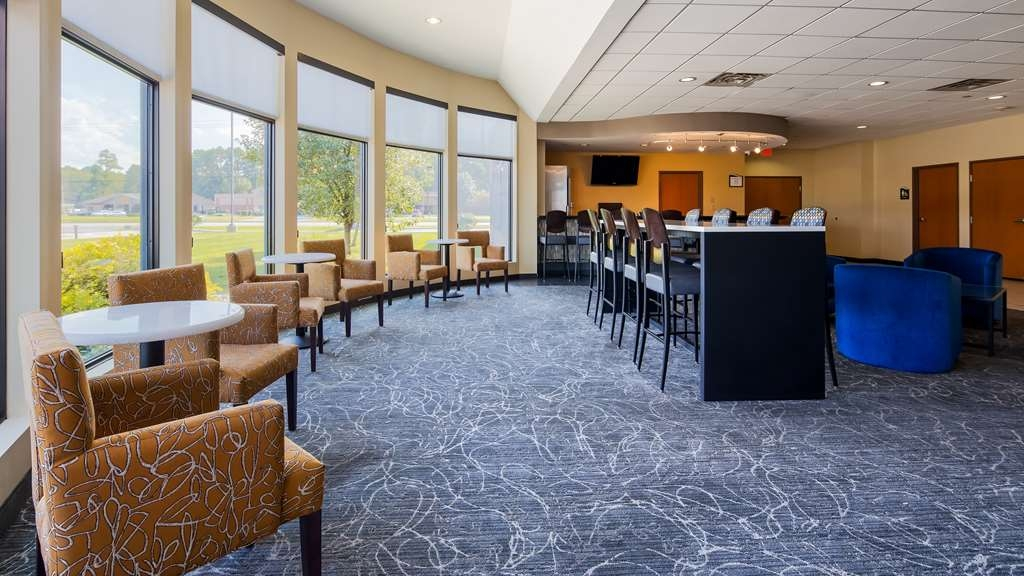Best Western Plus Portage Hotel & Suites - Bar / Lounge
