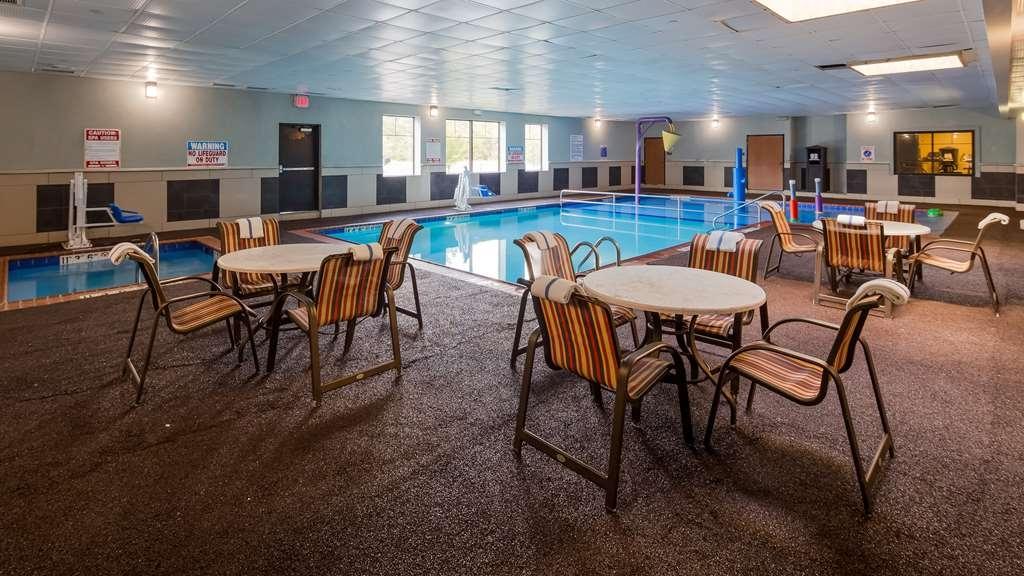 Best Western Plus Portage Hotel & Suites - Vue de la piscine