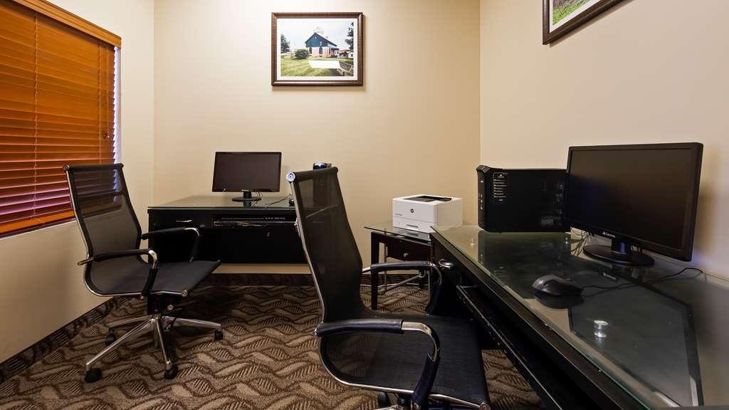 Best Western Plus Portage Hotel & Suites - Business Center