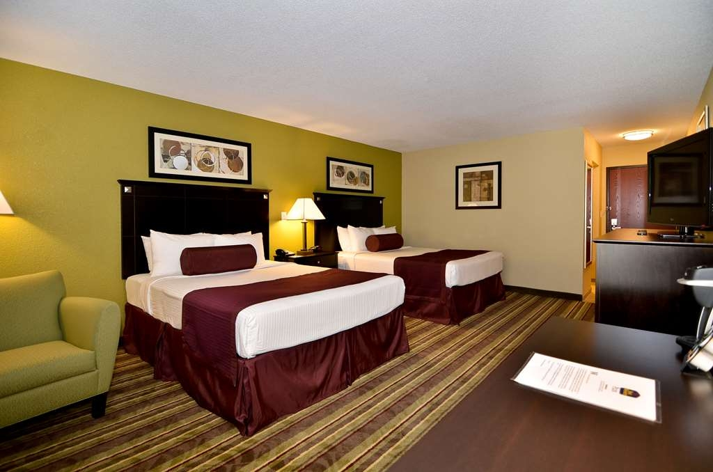 Best Western Plus Anderson - Touring the city with a close friend? Book our convenient and stylish two queen guestroom.