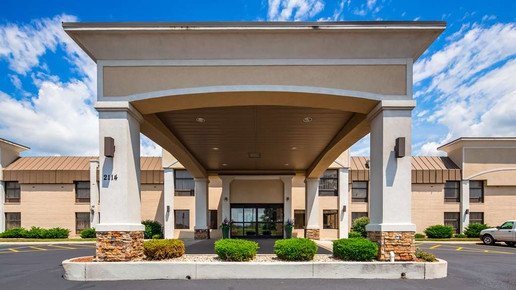 Best Western Plus Anderson - Pull up and make yourself at home at the Best Western Plus Anderson!