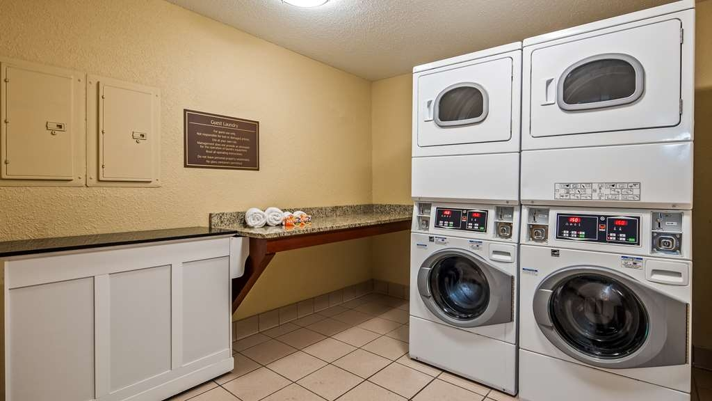 Best Western Plus Anderson - Laundry Room