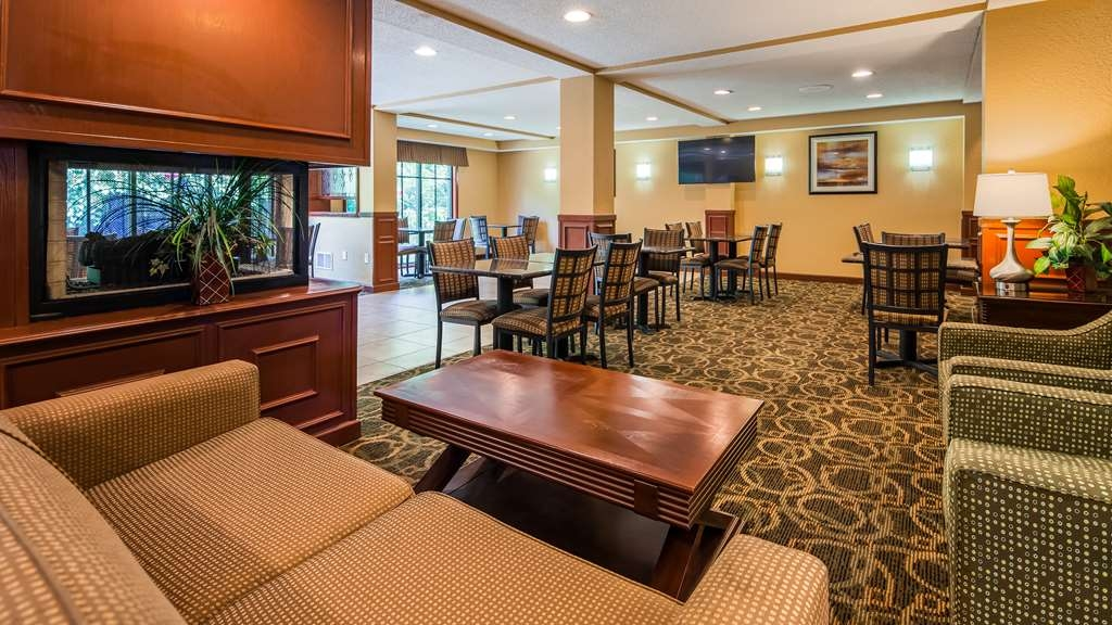 Best Western Plus Anderson - Take a break and relax in our spacious lobby.