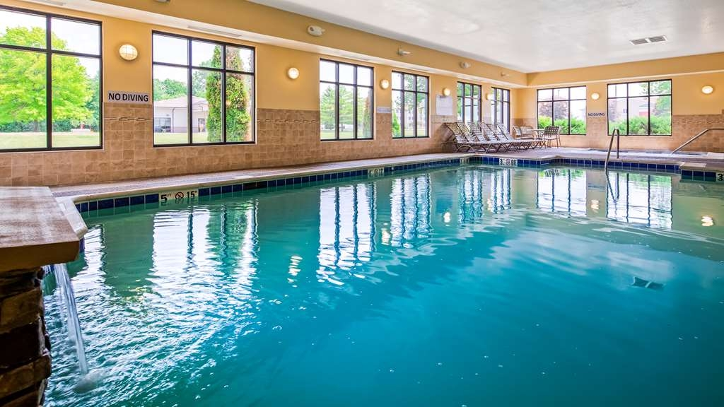 Best Western Plus Anderson - Take a dip in our heated indoor swimming pool!