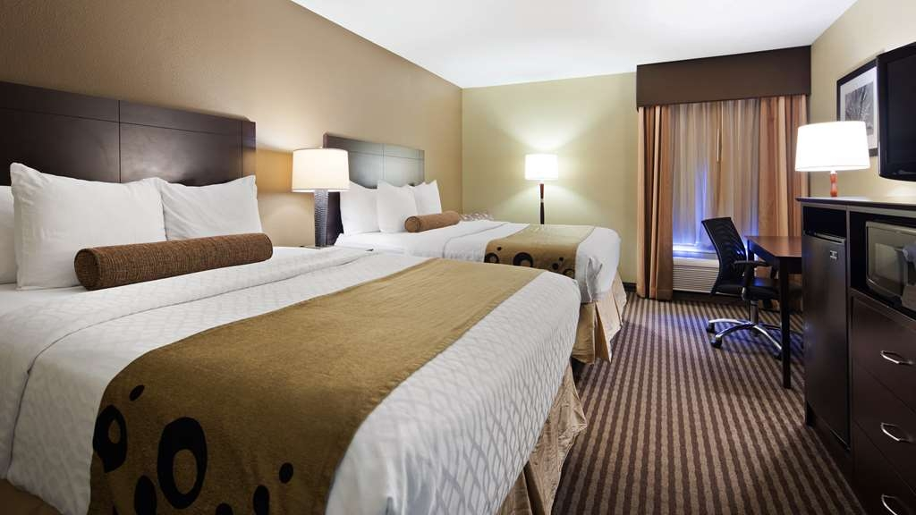 Best Western Plus Mishawaka Inn - Make yourself at home in our Two Queen Guest Room.