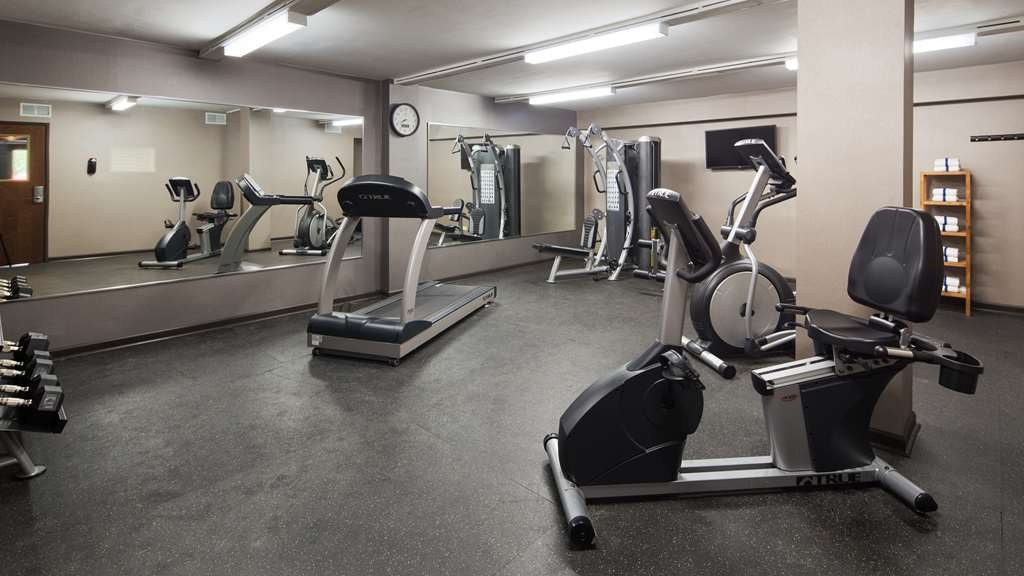 Best Western University Inn at Valparaiso - Enjoy our 24-hour fitness center with state-of-the-art equipment for your convenience.