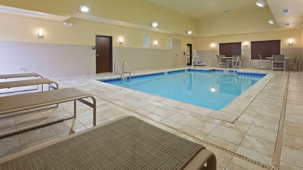 Best Western Plus French Lick - The indoor pool is perfect for swimming laps or taking a quick dip.