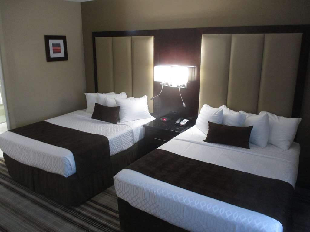 Best Western Plus Crawfordsville Hotel - Standard Double Queen Guest Room