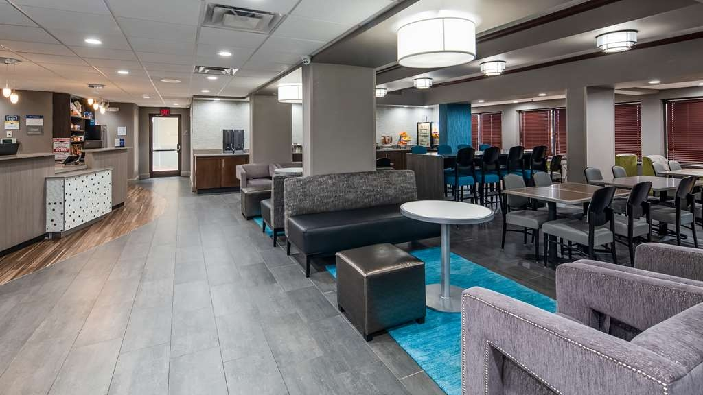 Best Western Plus Indianapolis NW Hotel - Join us in our newly designed and spacious lobby.
