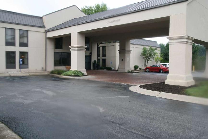 SureStay Plus Hotel by Best Western Batesville - Facciata dell'albergo