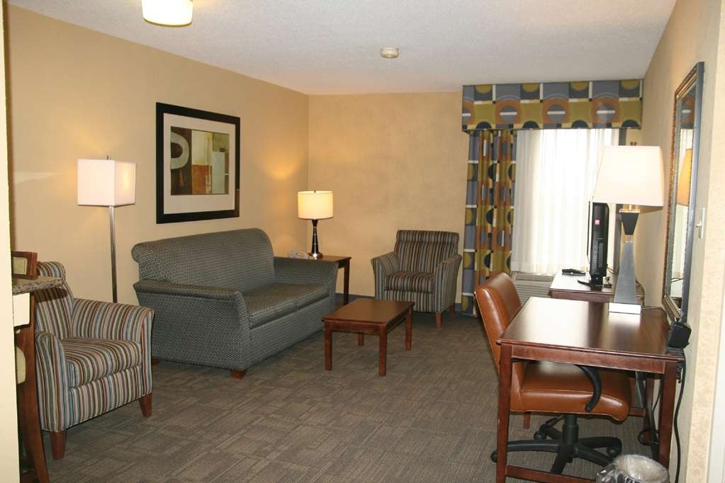 SureStay Plus Hotel by Best Western Batesville - Suite