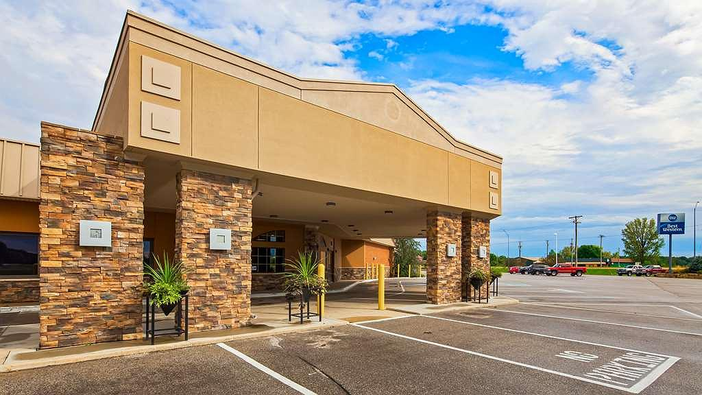 Best Western Starlite Village - Welcome to Fort Dodge and the Best Western Starlite Village. We hope you enjoy your stay with us.