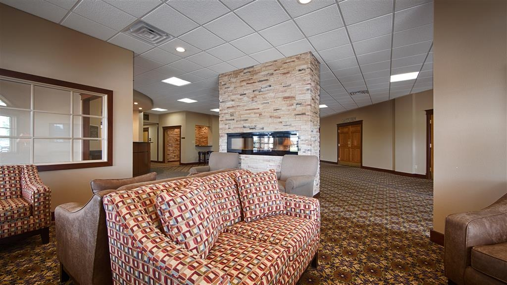 Best Western Starlite Village - Relax in our lobby.