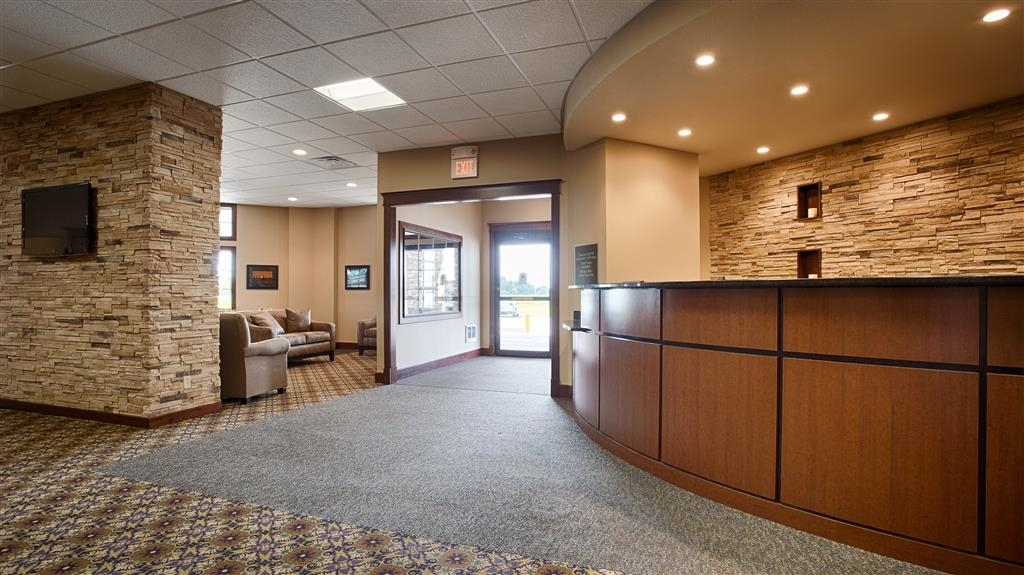 Best Western Starlite Village - A warm welcome awaits you when you check in at the Best Western Starlite Village.