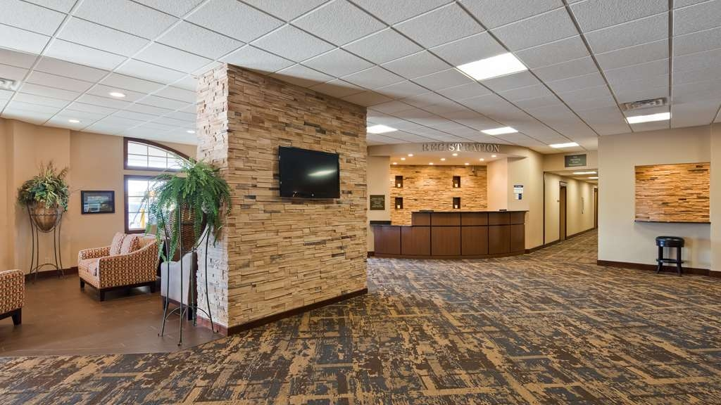 Best Western Starlite Village - Checking in at our hotel is just the beginning of a world-class experience.