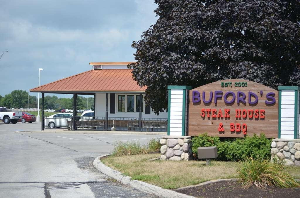 Best Western Starlite Village - Buford's Steak House and BBQ