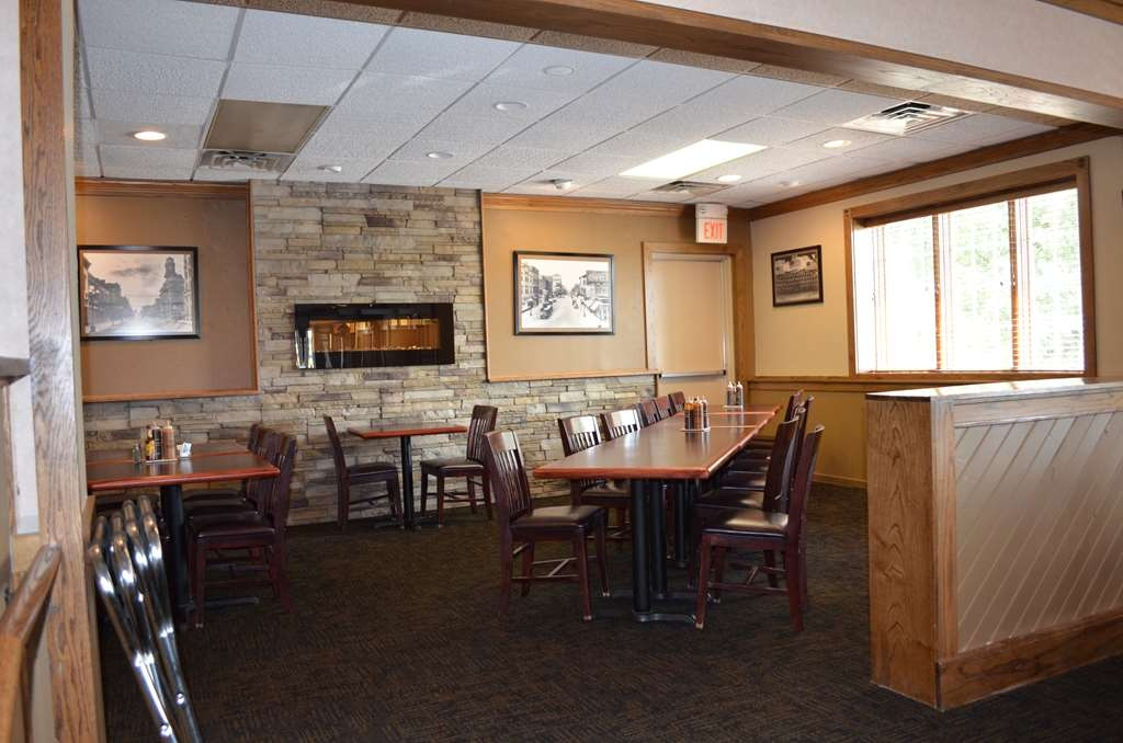 Best Western Starlite Village - Known for it's steaks and BBQ Buford's is the place to find all your favorites when visiting Fort Dodge.