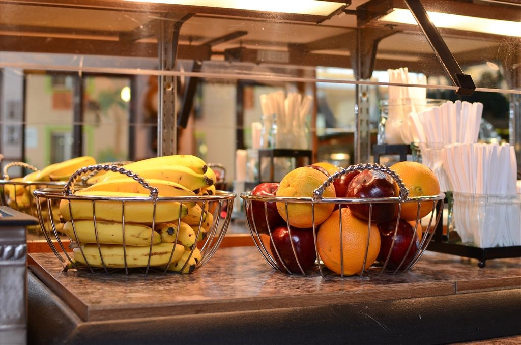 Best Western La Grande Hacienda - Enjoy your favorite fresh fruit!