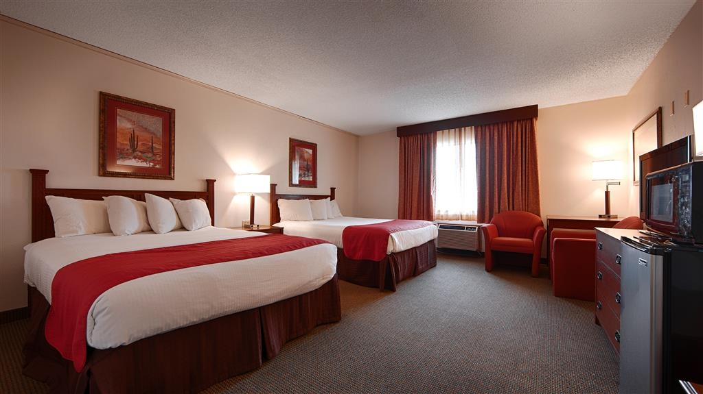 Best Western La Grande Hacienda - Two Queen Bed Guest Room