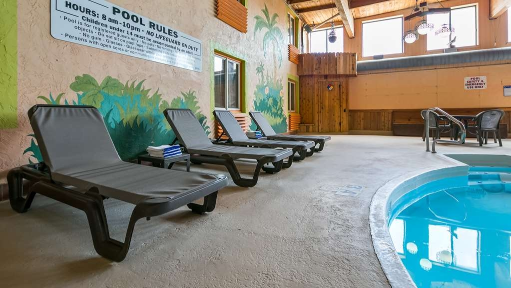 Best Western La Grande Hacienda - Our indoor pool is the perfect place to swim some early morning laps or enjoy an afternoon dip.