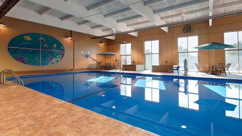Best Western Crossroads of the Bluffs - Indoor pool