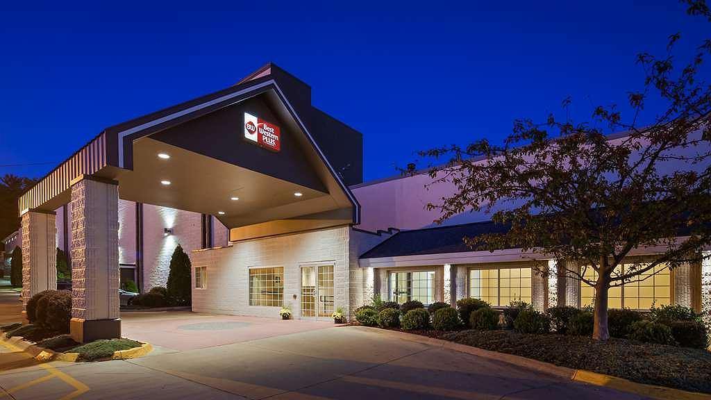 Best Western Plus Longbranch Hotel & Convention Center - Vista exterior
