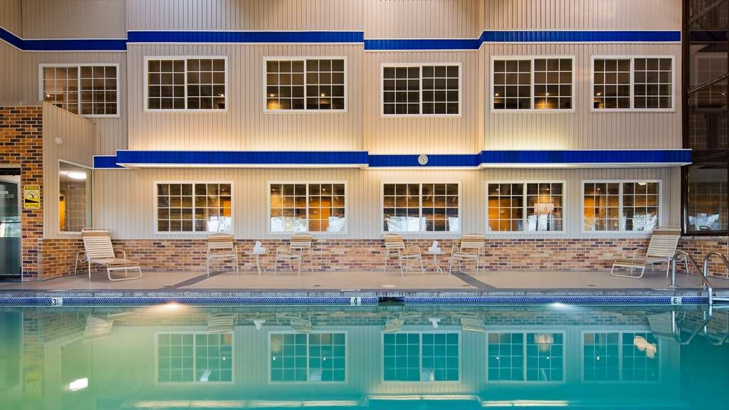 Best Western Plus Longbranch Hotel & Convention Center - Vue de la piscine