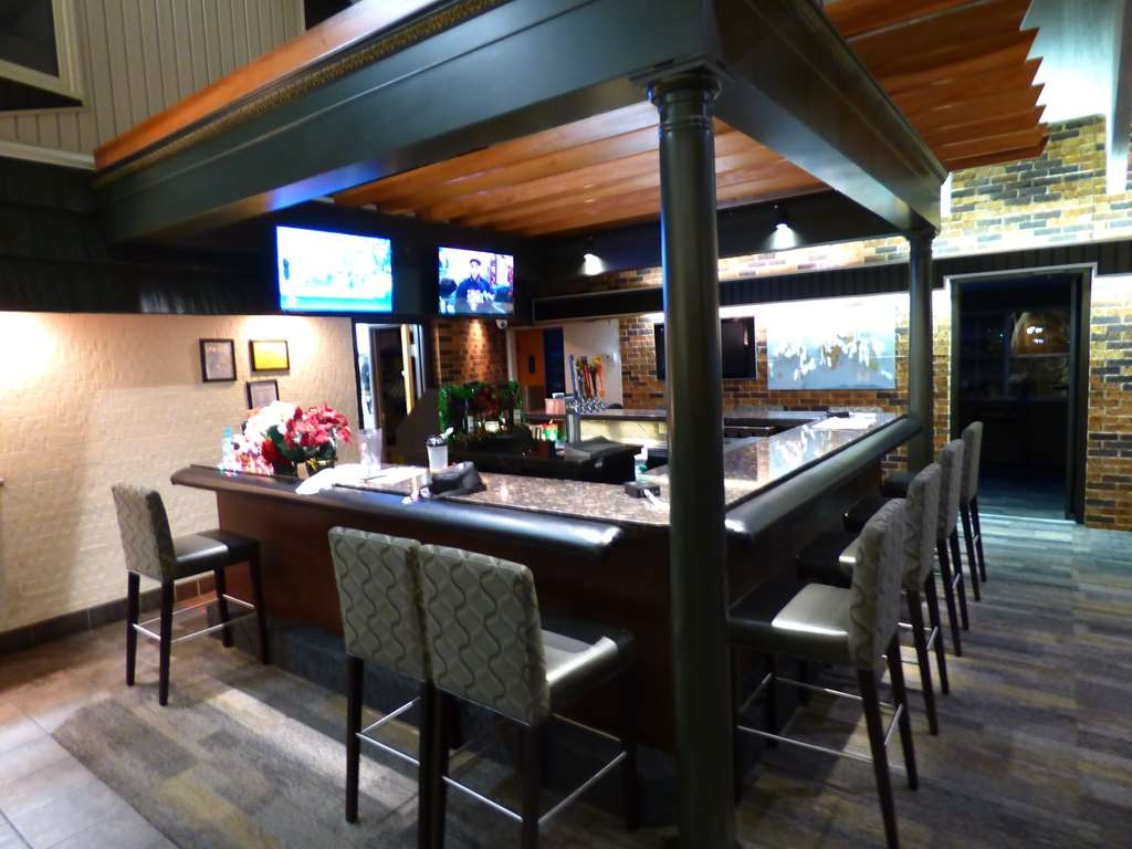 Best Western Plus Longbranch Hotel & Convention Center - Bar/Lounge