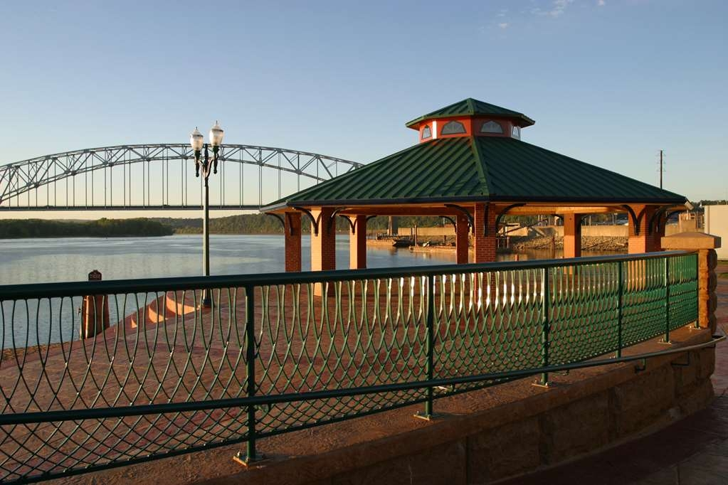 Best Western Plus Dubuque Hotel & Conference Center - Enjoy our beautiful views of the Mississippi!