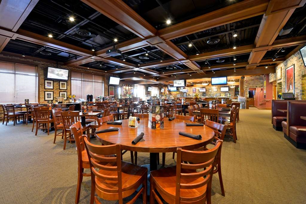 Best Western Plus Dubuque Hotel & Conference Center - Old Chicago Pizza & Taproom is located next to the Best Western Plus Dubuque Hotel & Conference Center.