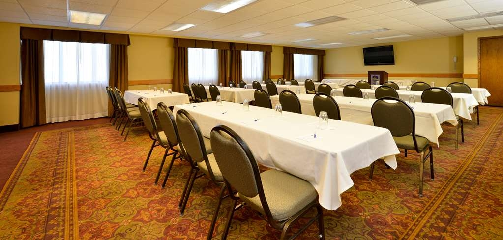 Best Western Plus Dubuque Hotel & Conference Center - Our Eagle Point meeting room is a great location for your meeting.