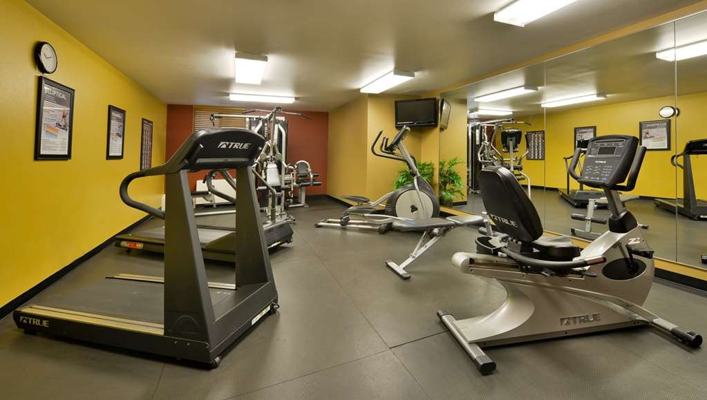 Best Western Plus Dubuque Hotel & Conference Center - Enjoy the use of our 24-hour fitness center.