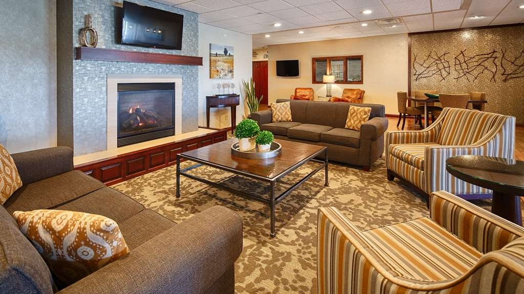 Best Western Plus Dubuque Hotel & Conference Center - Welcome to the Lobby.