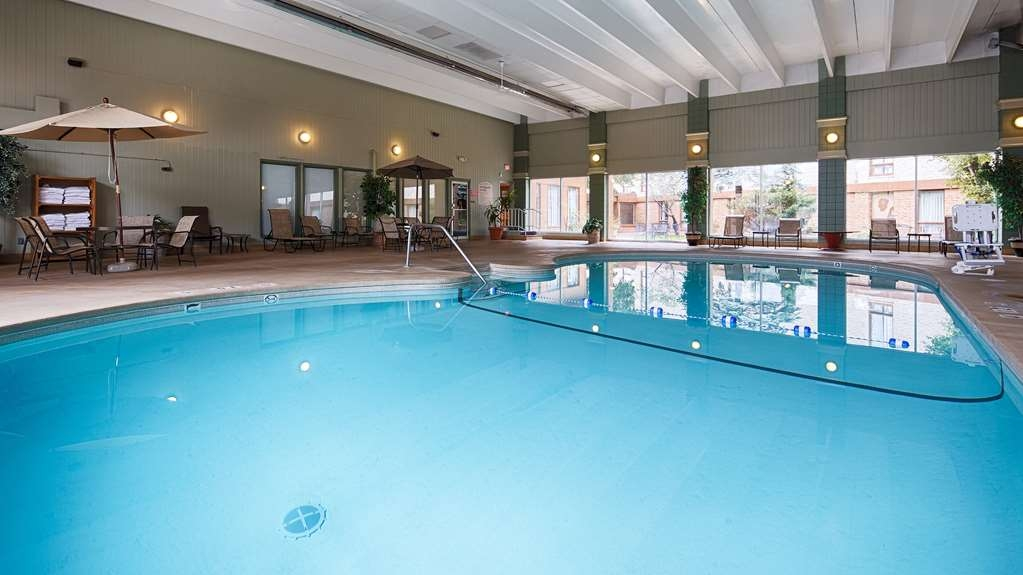 Best Western Holiday Lodge - Vue de la piscine