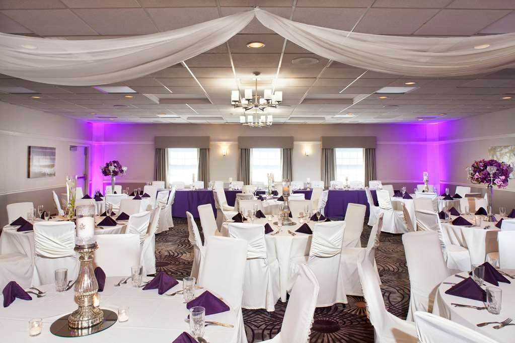 Best Western Plus Steeplegate Inn - Worry free events planned by our professional staff. Let us make your wedding dreams come true.
