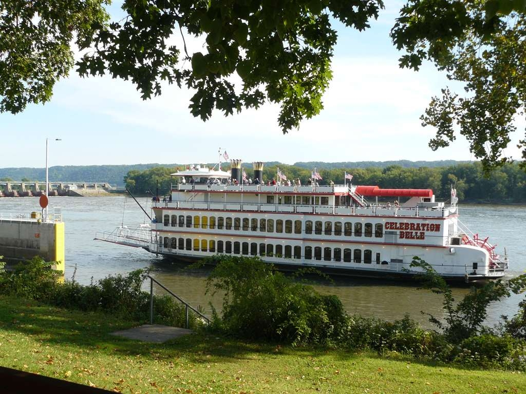 Best Western Plus Steeplegate Inn - Cruise the Mississippi in style on the Celebration Belle Riverboat. Just a short drive from The Best Western Plus SteepleGate Inn located in Davenport, Ia