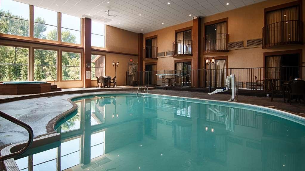 Best Western Fairfield Inn - Piscina