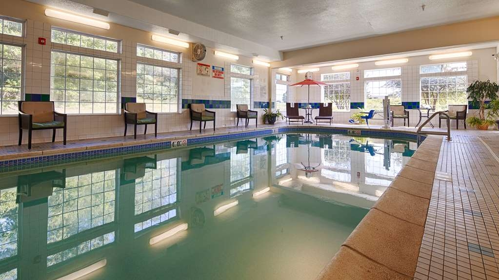 Best Western Plus Des Moines West Inn & Suites - piscina coperta
